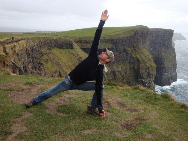 Ian O'Laughin Bikram-jóga oktató, a Transzcendentális Meditáció tanára