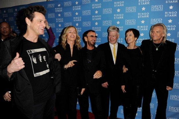 Jim Carrey és Ringo Starr TM-gyakorlók a David Lynch Alapítvány gálaestjén